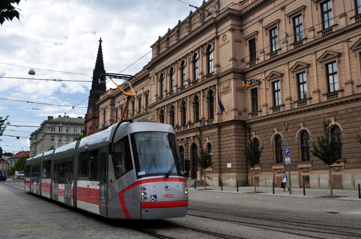 KDU-ČSL chce výrazně levnější MHD pro děti a seniory