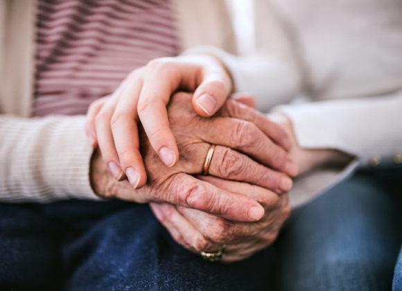 Vznikne podpůrná služba pro seniory, kteří chtějí žít doma co nejdéle?