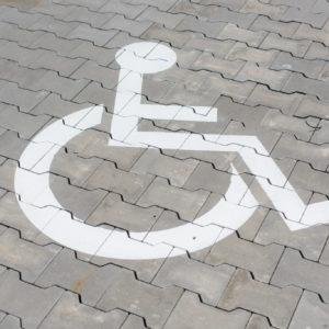 Je možné z Brna odstranit bariéry, které brání vozíčkářům a maminkám s kočárky?