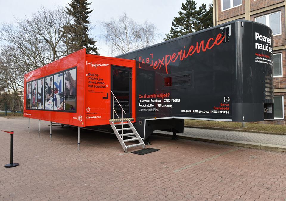 Mobilní laboratoř spouští provoz, navštíví ji 17 brněnských škol