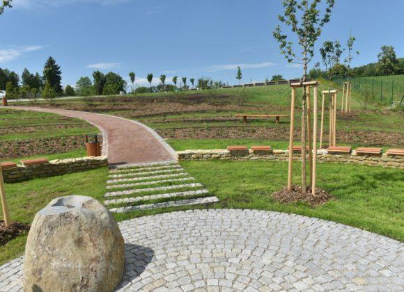 Brno vytvořilo Údolí vzpomínek a pietní místo pro andělské děti