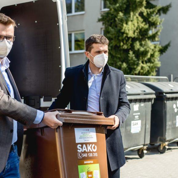 První popelnice na kuchyňský bioodpad už jsou v ulicích Brna
